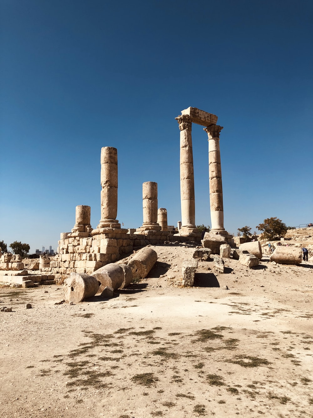 ruins of brown concrete monuments