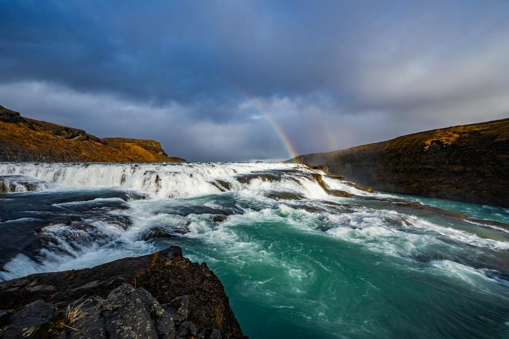 waterfalls mountain scenery