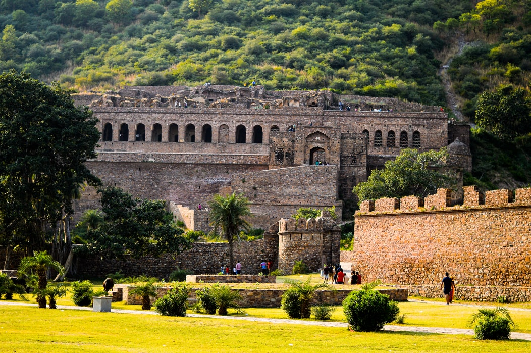 mysterious places in inda, bhangarh fort
