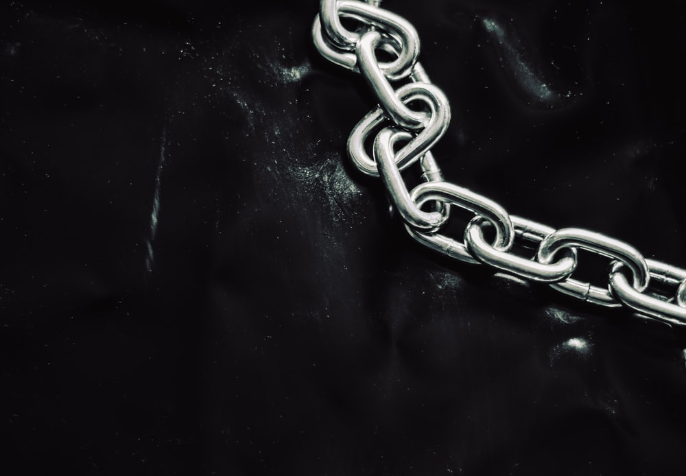gray stainless steel chain