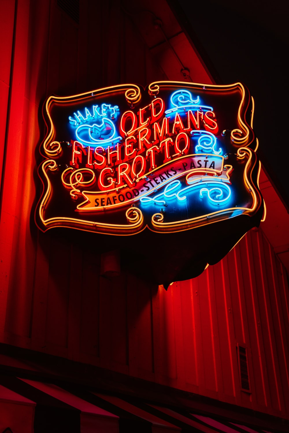 old fisherman's grotto neon sign