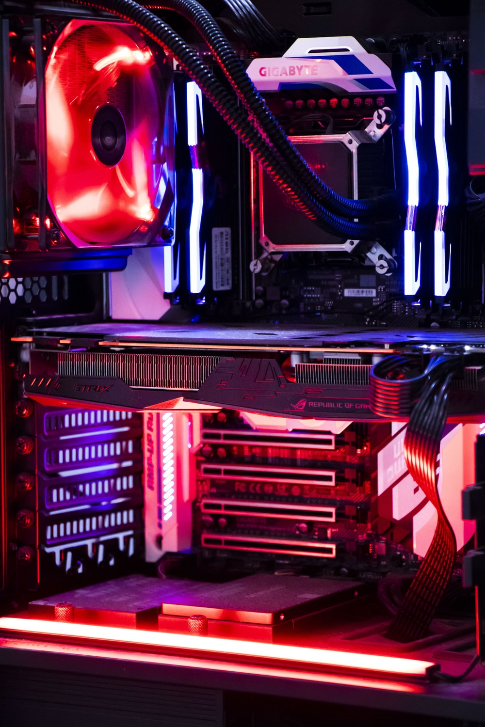 red and black computer tower
