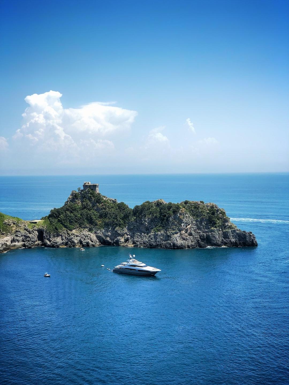 Conca dei Marini, Salerno, Italy Original: https://www.dropbox.com/s/w5gud86uoyshu8v/Positano2.jpg?dl=0