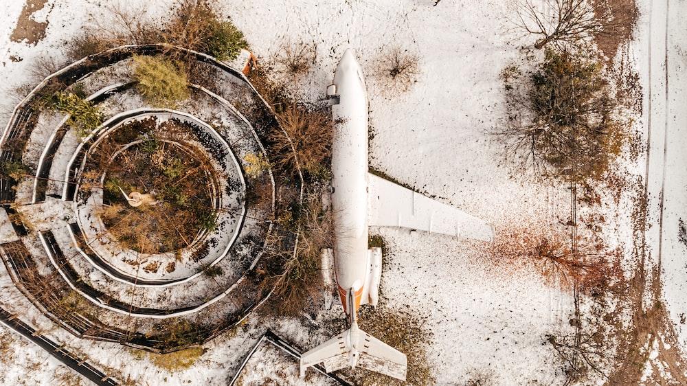 white plane photography