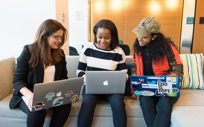 Cómo los aspirantes a diseñadores web cargan la profesión