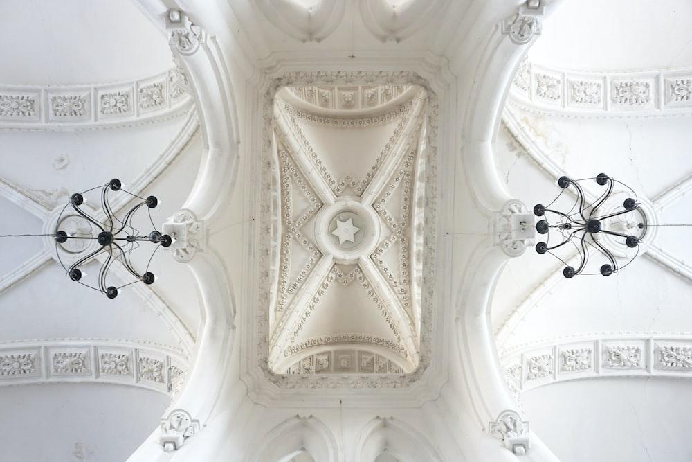 white decorative ceiling