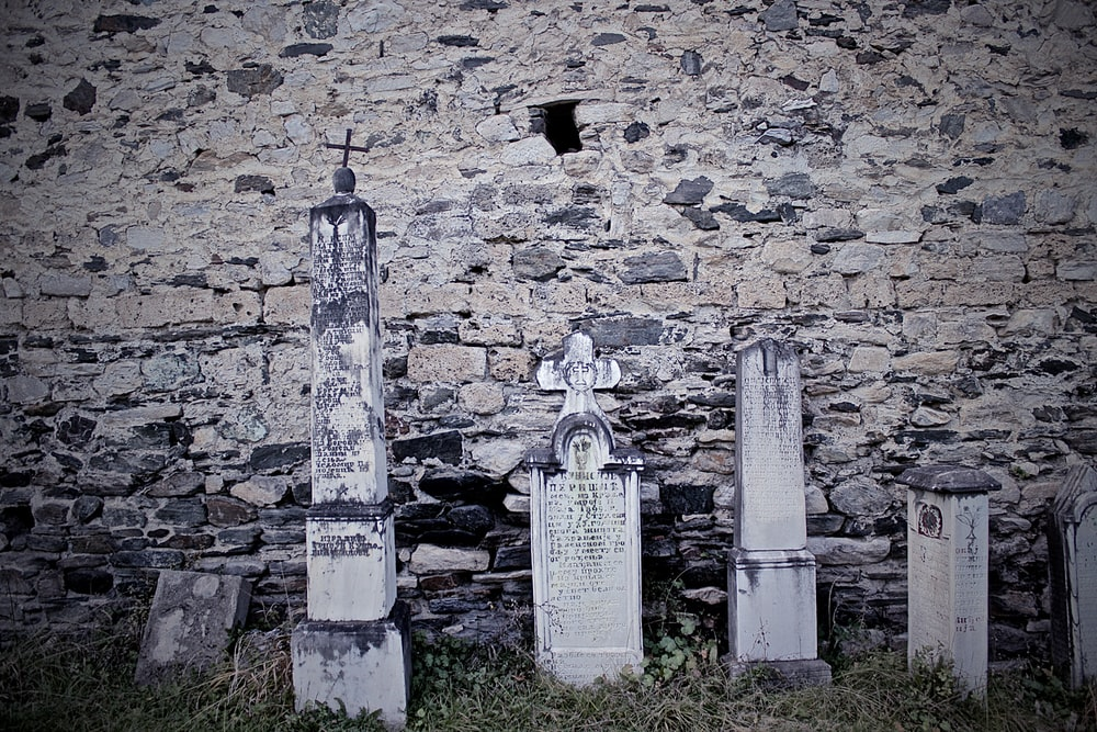 tomb head stone