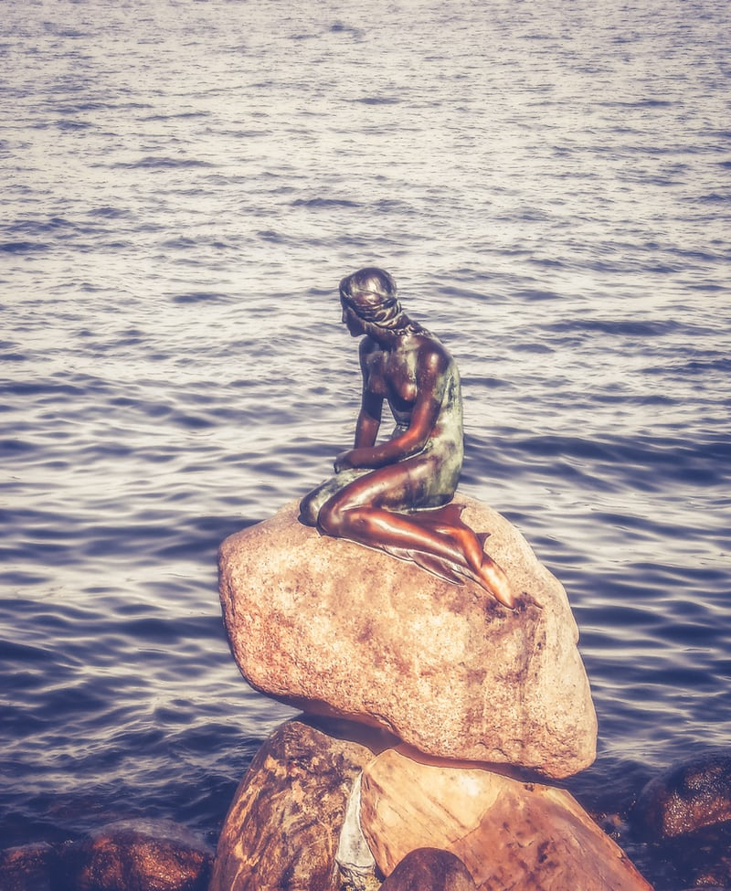北欧コペンハーゲンの人魚姫像