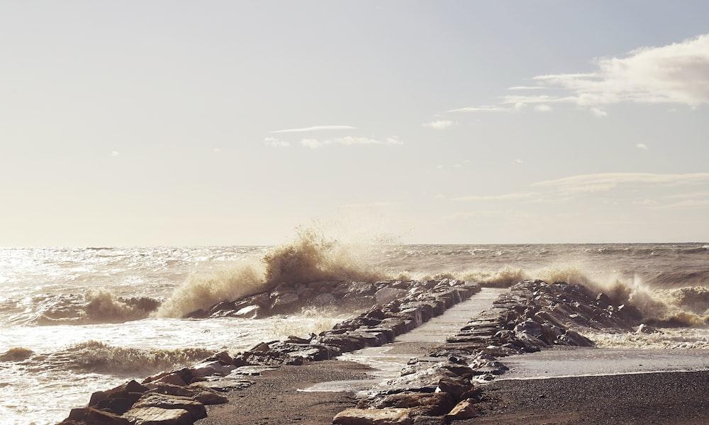 wavy ocean during daytime