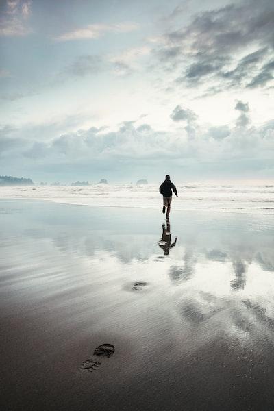 The Big Trip | Shi Shi Beach on the Olympic Peninsula - Explore more at explorehuper.com/the-big-trip
