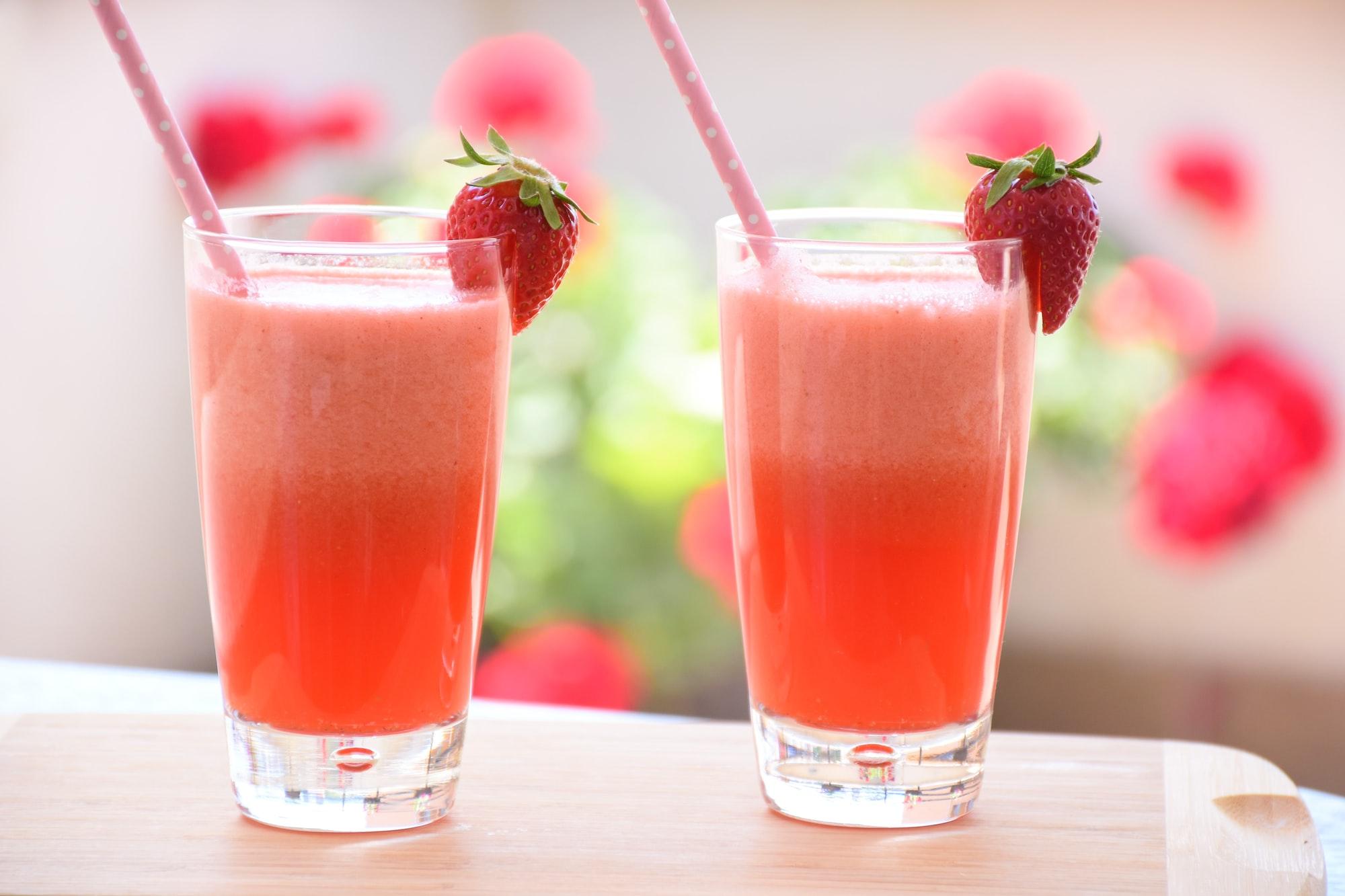 Strawberry lemonade for two
