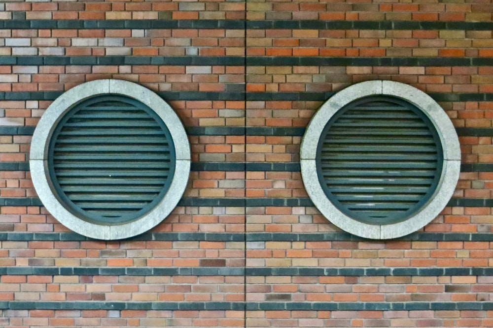 round closed windows