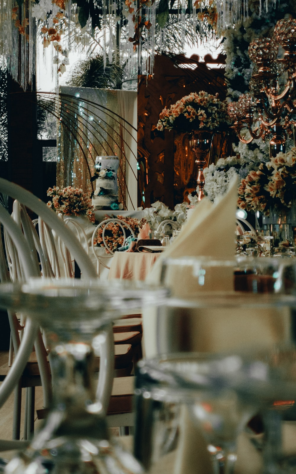 shallow focus photo of tables and chairs