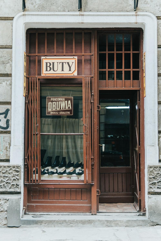open Buty store