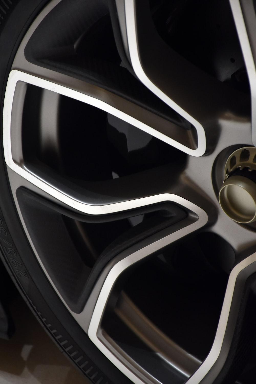 chrome multi-spoke wheel