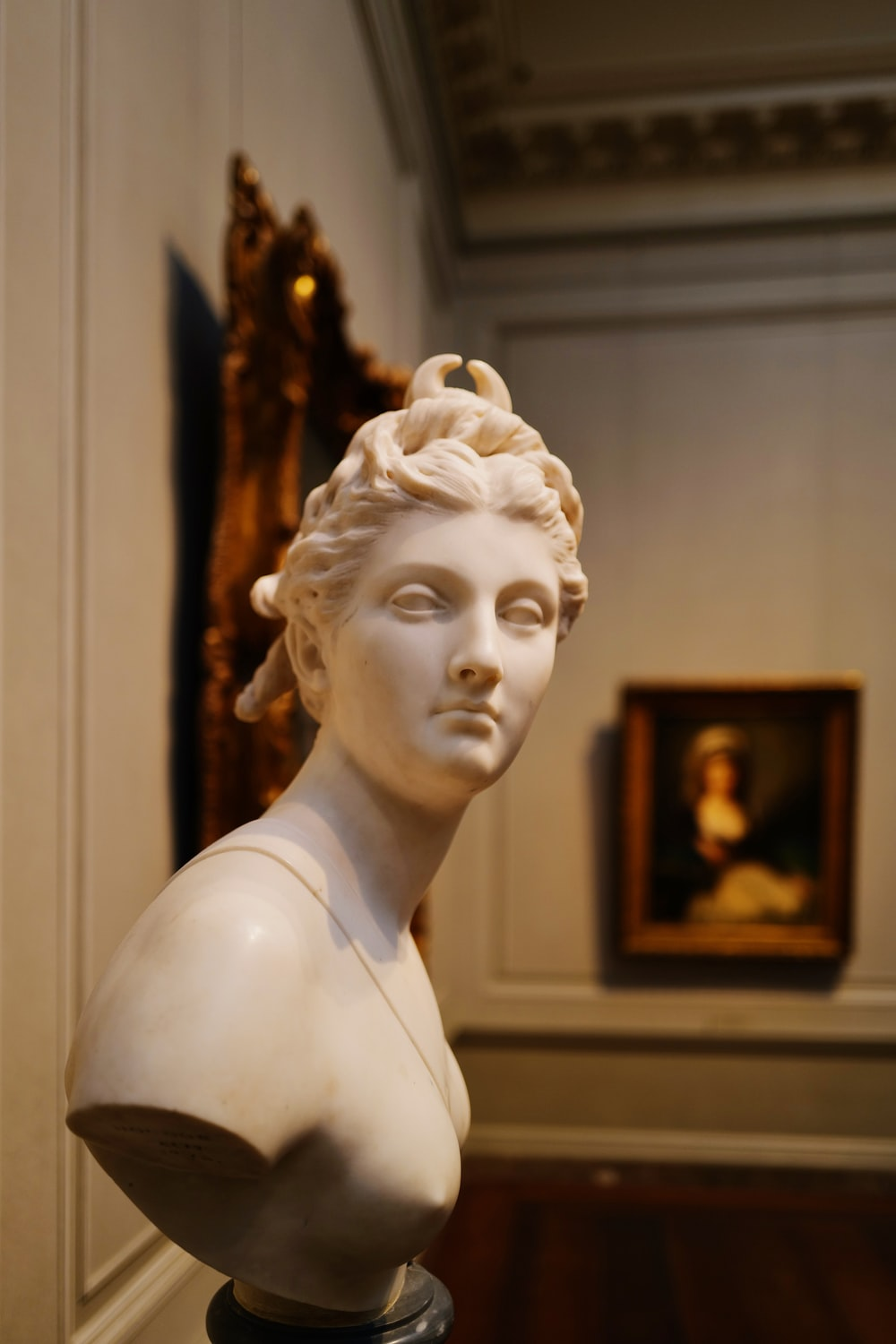 woman bust statue