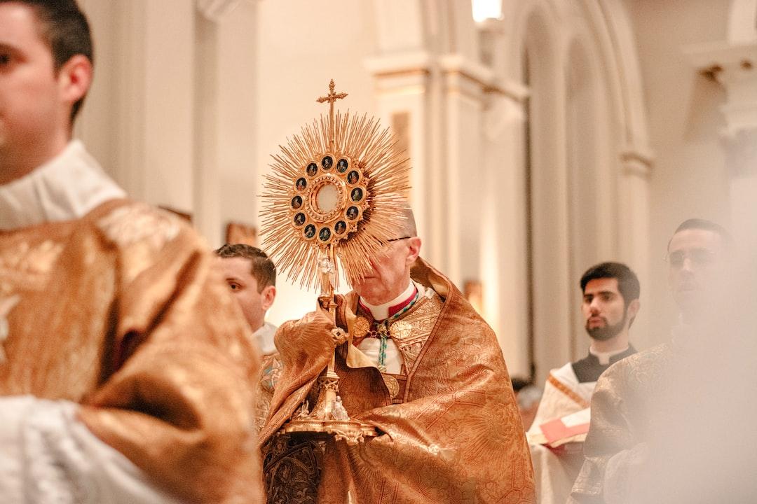 O come to the altar.