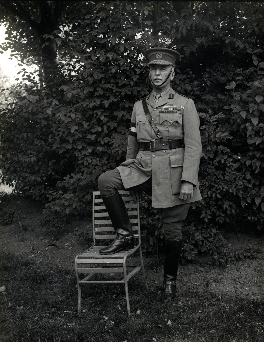 1914. General Sir James Willcocks photographed at his headquarters. Photographer: H. D. Girdwood.
