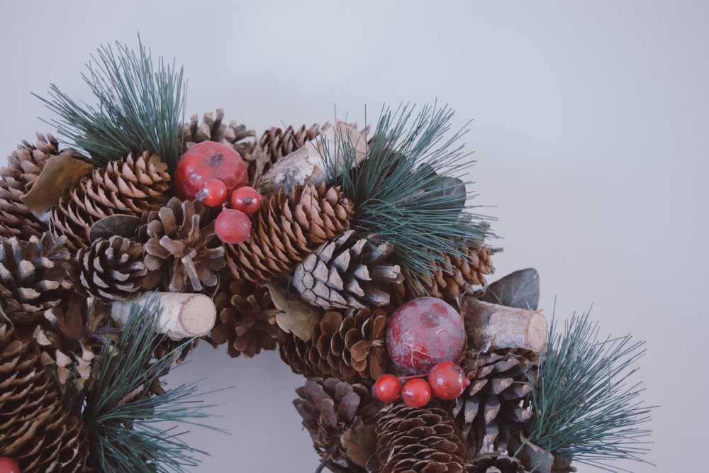 brown pine cone wreath