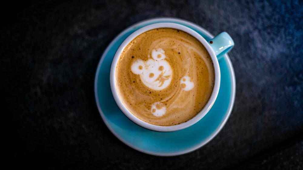 latte art in mug