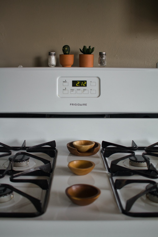 white Frigidaire gas range oven at 2.12