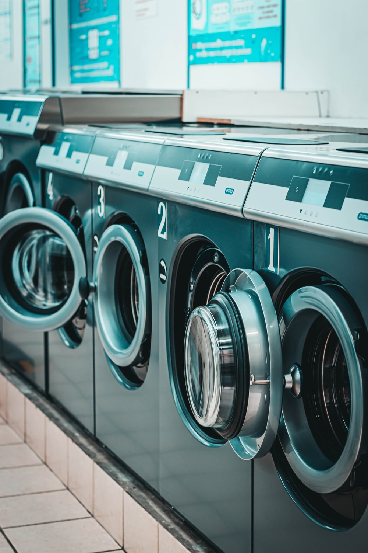 black laundry appliances