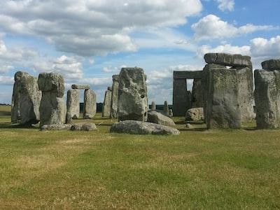 Il coronavirus non ferma il solstizio d'estate di Stonehenge: lo spettacolo quest'anno sarà in diretta streaming
