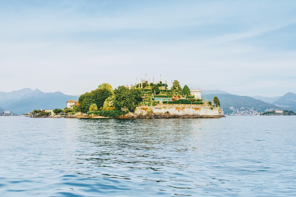 wide angle photo of islet