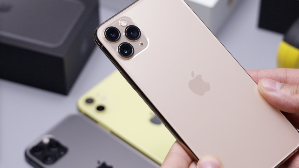Gold Iphone 11 Pro Pictures Download Free Images On Unsplash