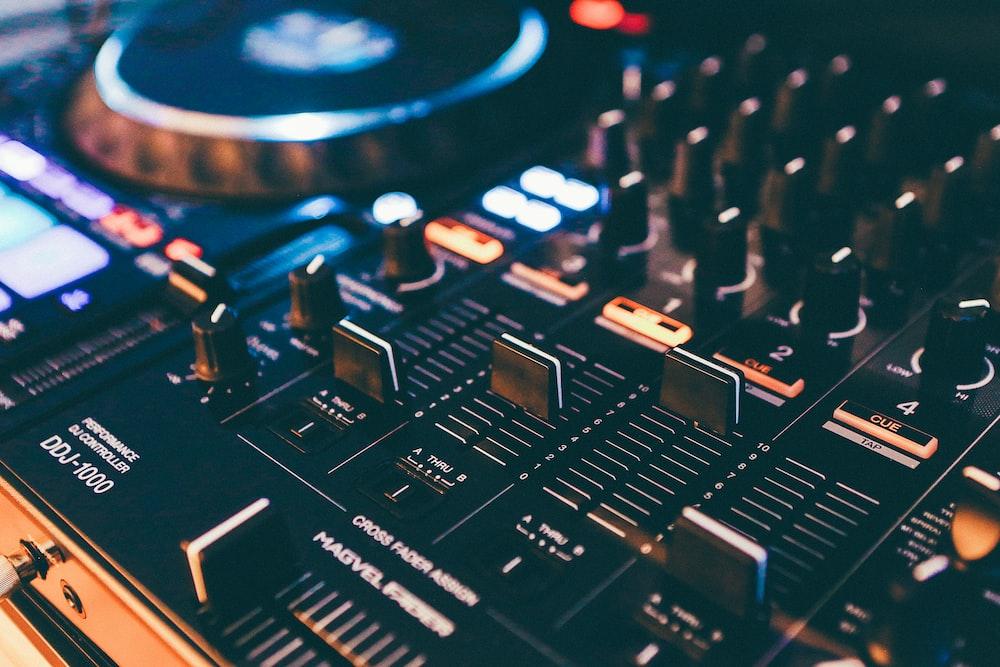 black audio mixer
