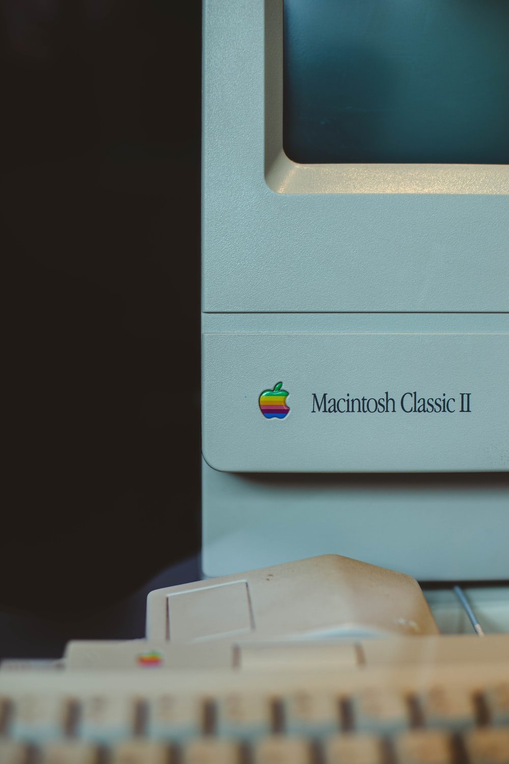 white Apple Macintosh classic II monitor