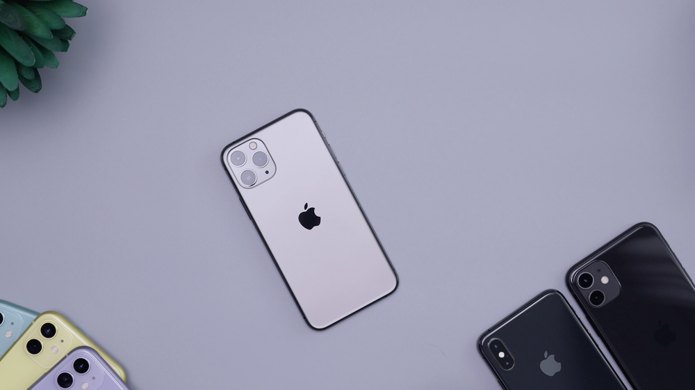 silver iPhone 11 Pro Max