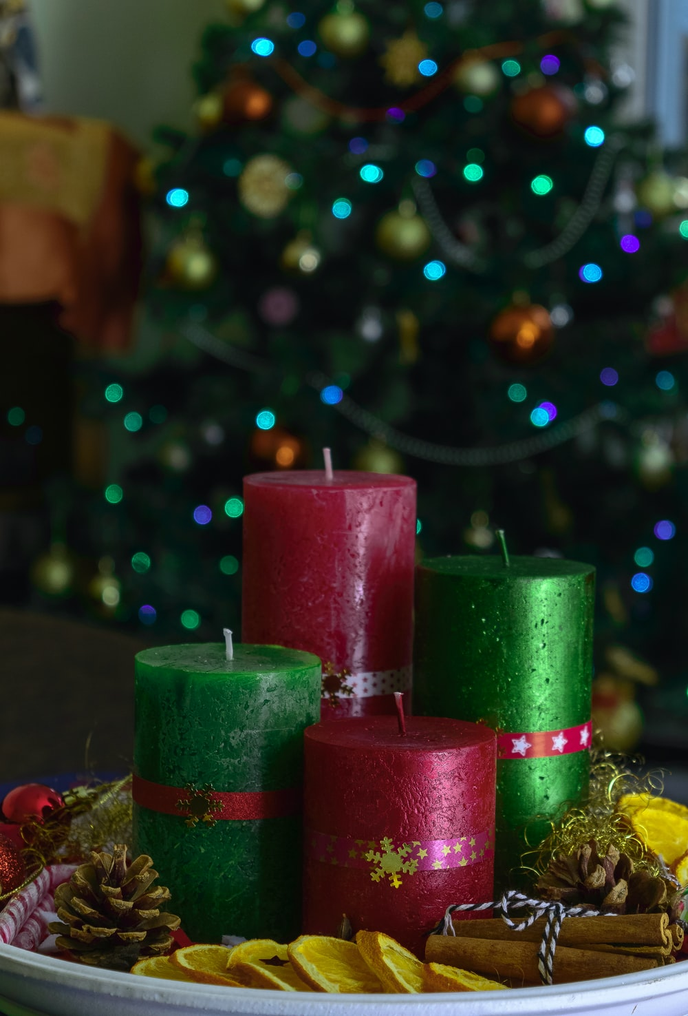 green and red candles