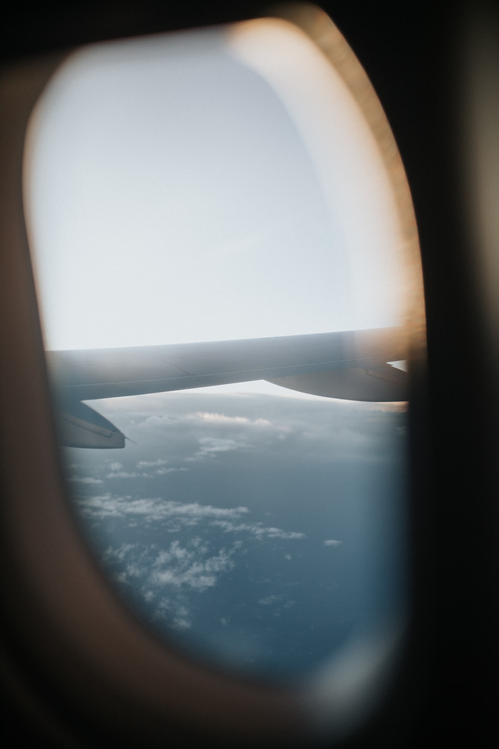 window airplane showing wings
