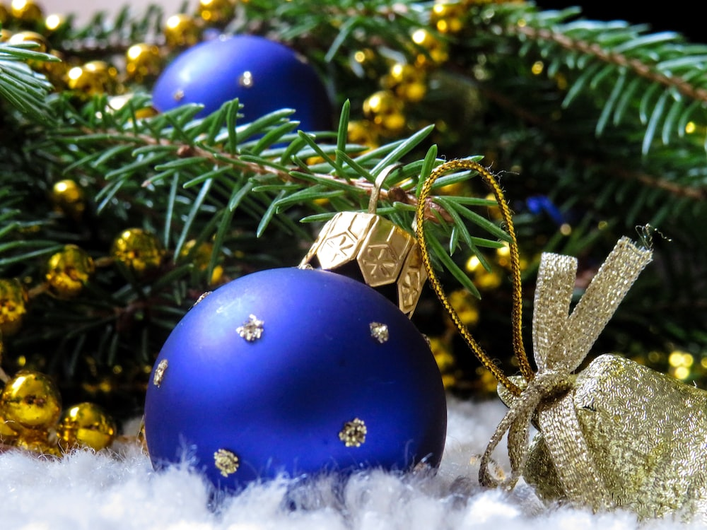 blue and gold bauble Christmas decor