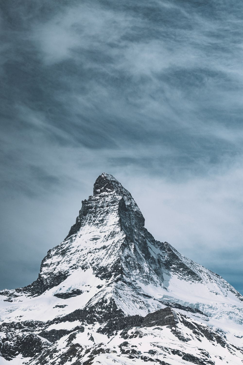 snow-capped mountain during daytime