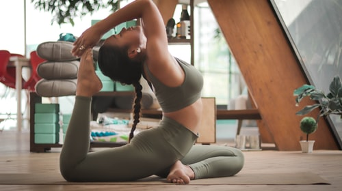 9 Reasons To Integrate CBD Into Your Meditation Or Yoga