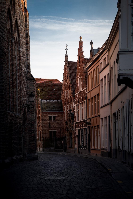 empty street in between of buildings