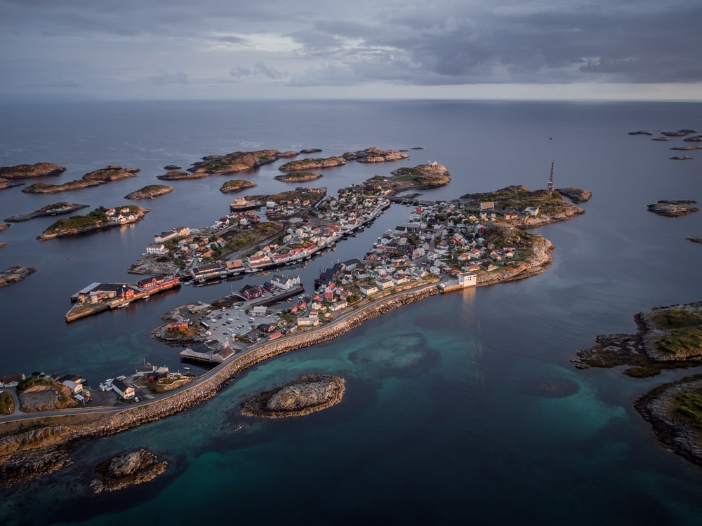 houses on islet