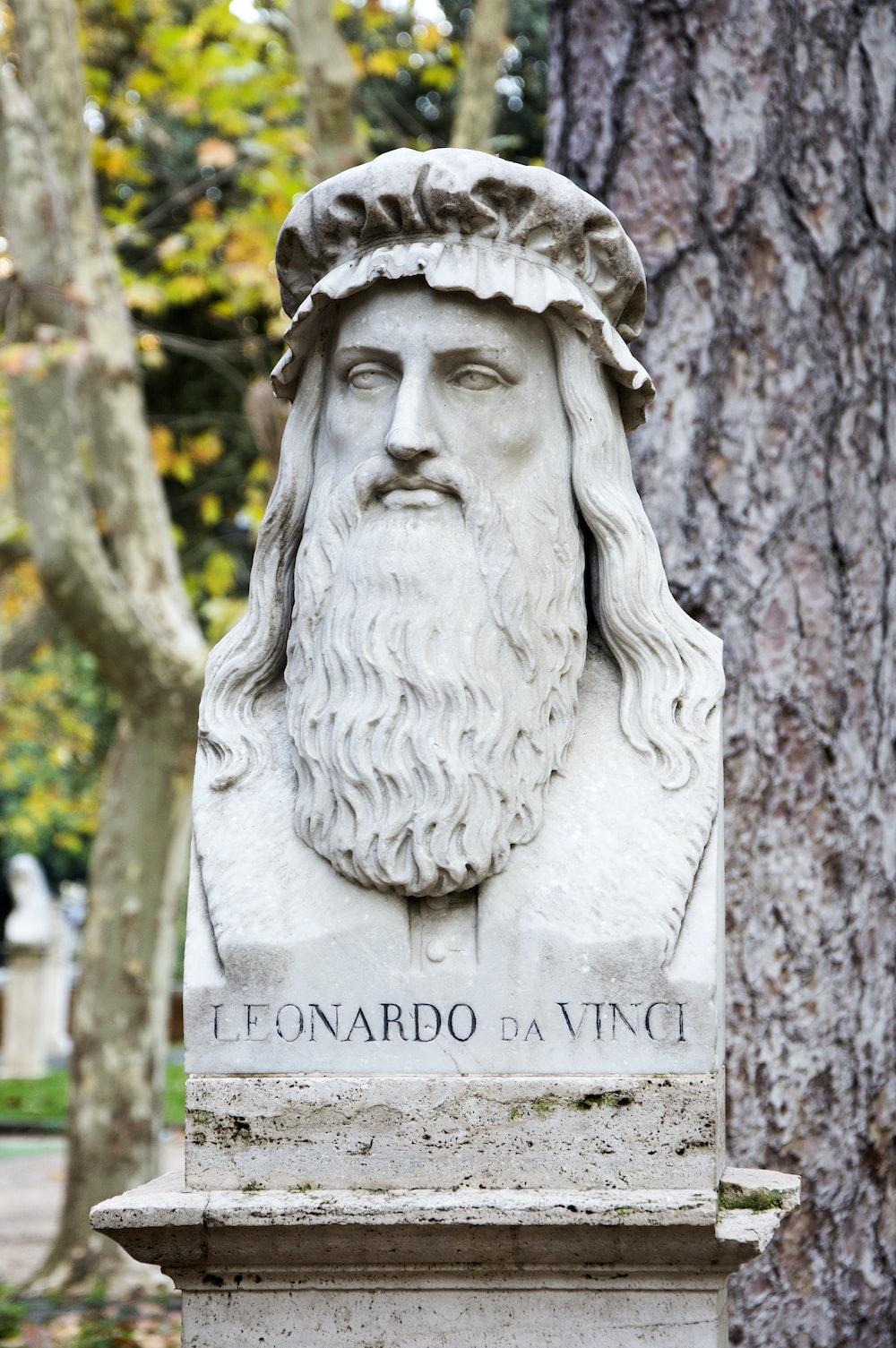 Leonardo da Vinci head bust