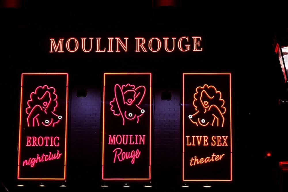 Mouline Rouge neon signage