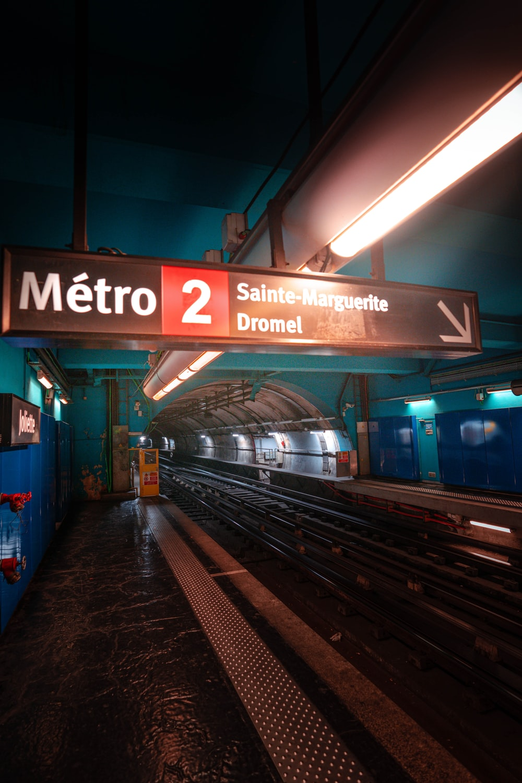 Metro 2 Sainte-Marguerite Dromet subway signage