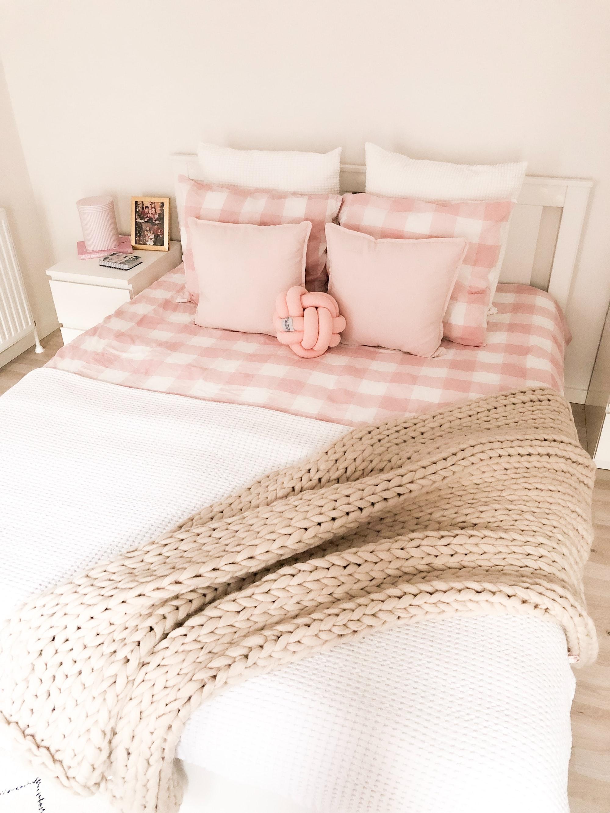 Quanto devono essere grandi le coperte per bambini e quelle per il letto di un adulto?