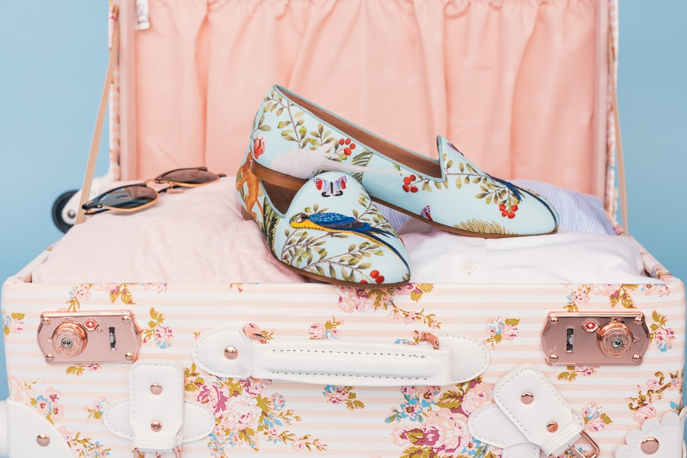 pair of loral flats
