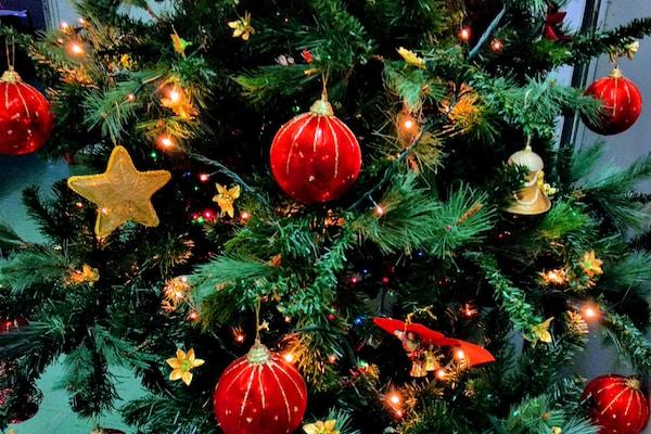 Jouluaamun jumalanpalvelus - Julotta på finska i Kyrkans hus
