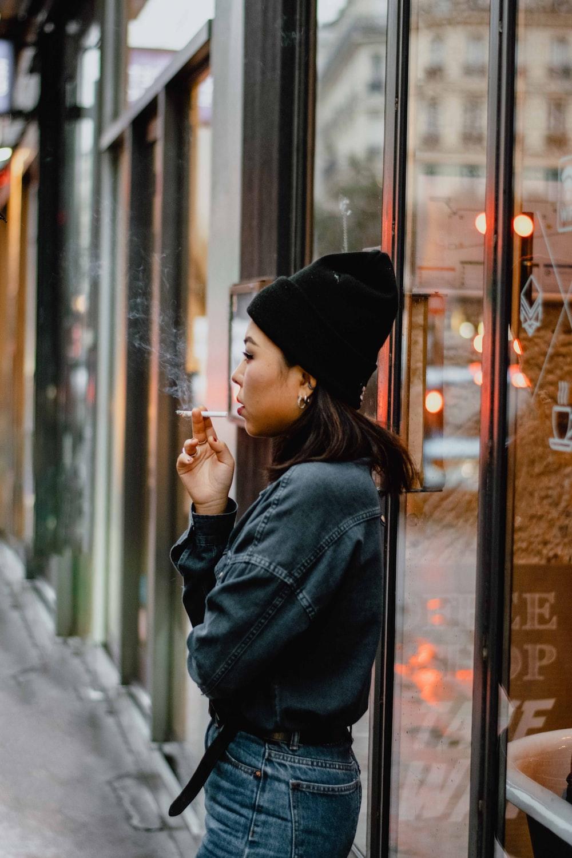 women's black long-sleeved shirt