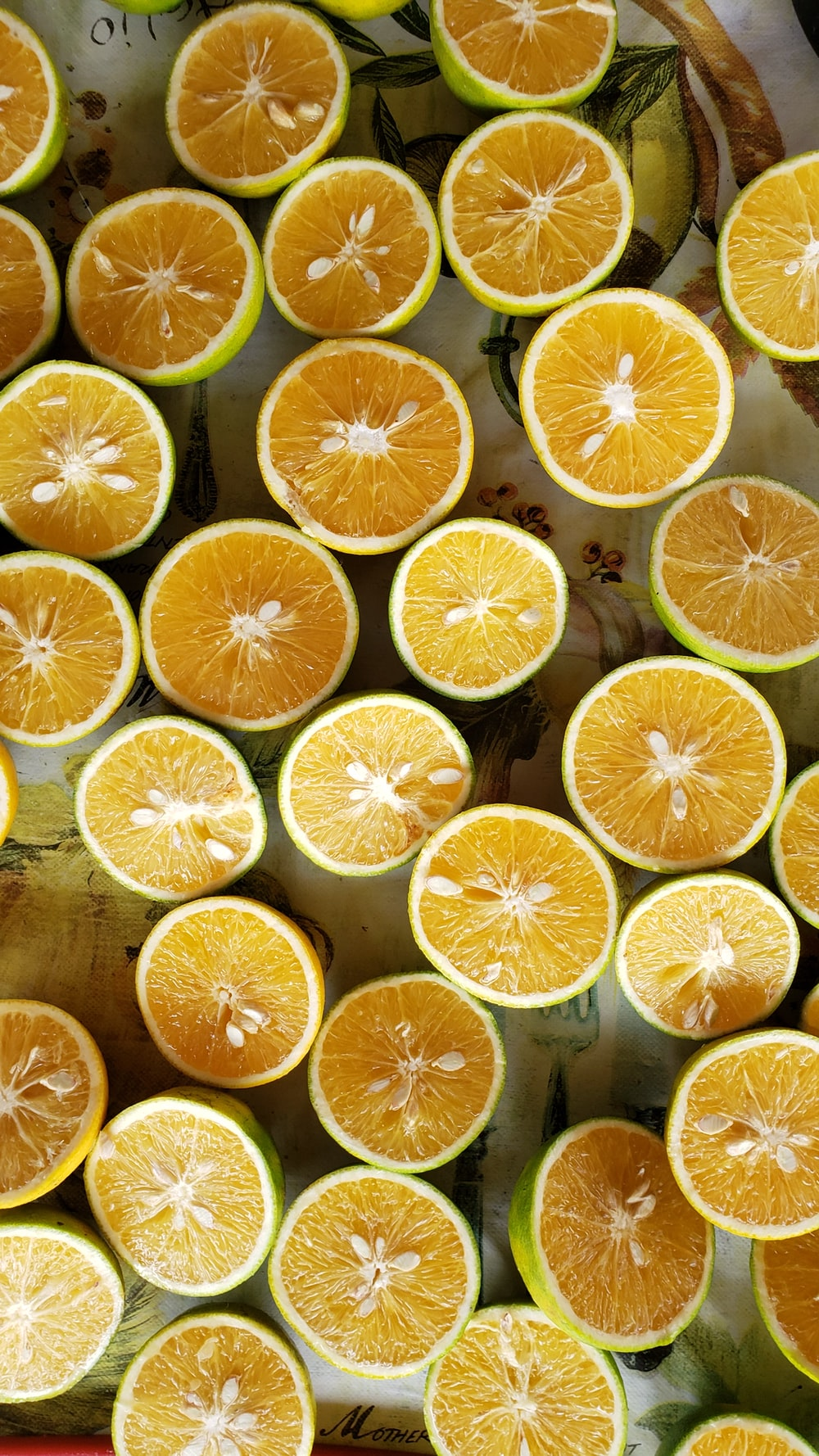 sliced yellow lime fruits