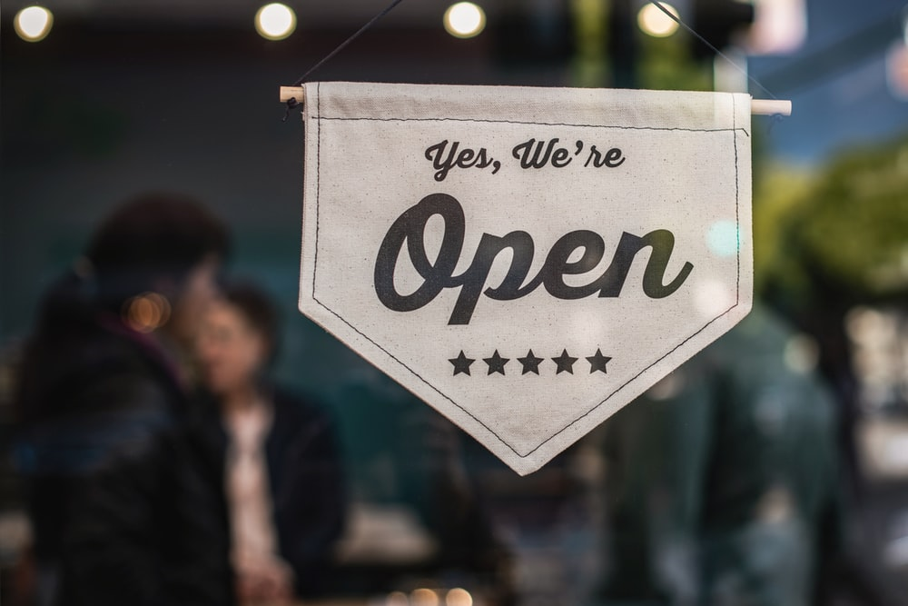 retail policies: open store