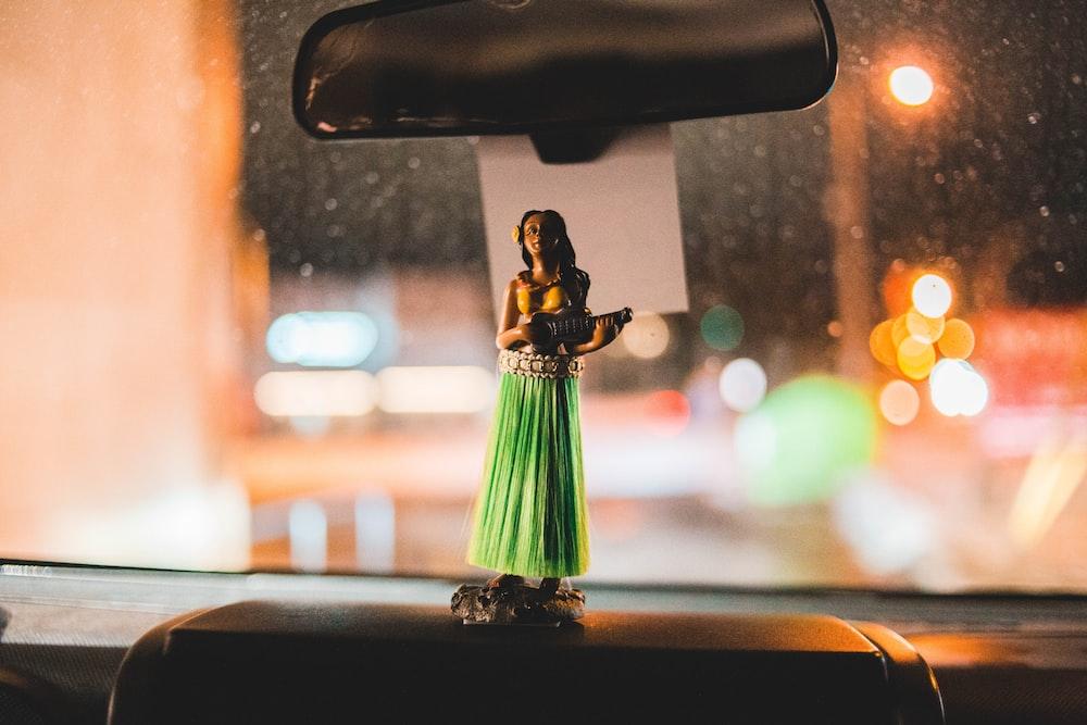 vehicle Aloha hula dancing girl