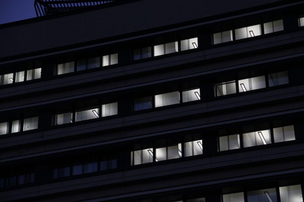 gray concrete apartment building